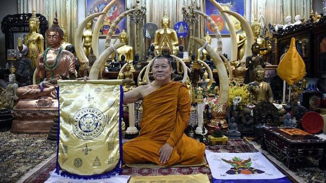 Học Leicester, Thái Lan cầu viện nhà sư trước SEA Games