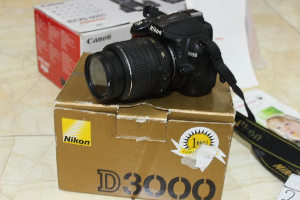 Kamera DSLR NIKON D3000 Kit Fullset Laptop Bekas Malang