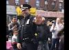 NY: Video viral de polícia dominicano bailando bachata con doña