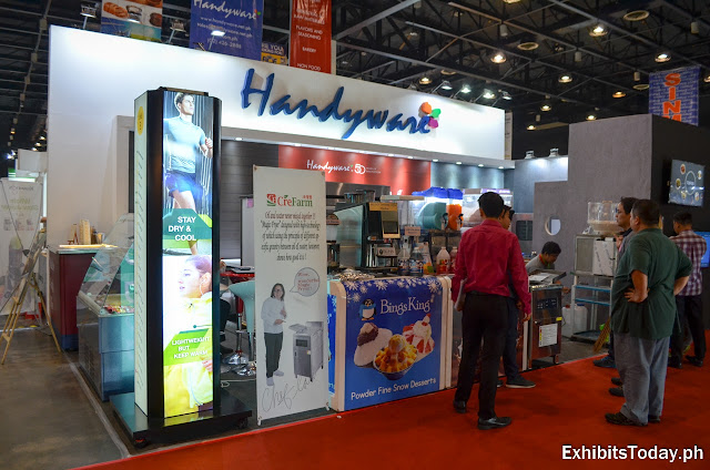 Handyware exhibit booth