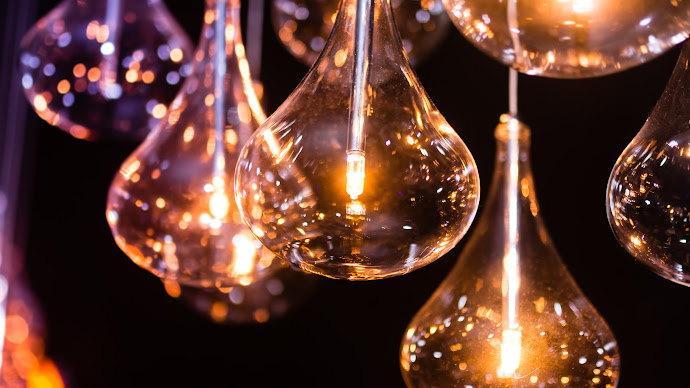 Wallpaper: Light Bulbs. The Miracle of Electricity