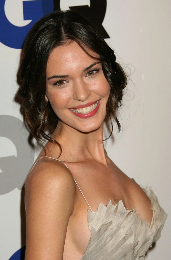 Hollywood Babe: Odette Annable