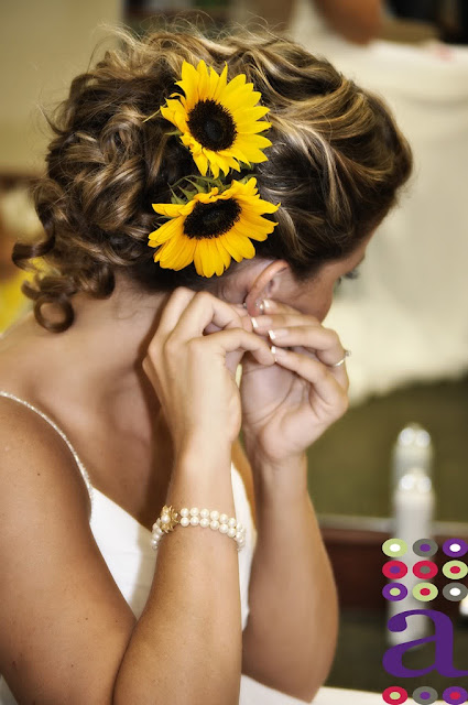 Top 3 Hairstyles to wear with flowers This summer!