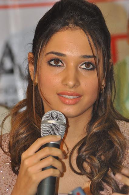 Tamanna Lips: Tamanna Bhatia Hot Sexy Model Actress Indian Girl