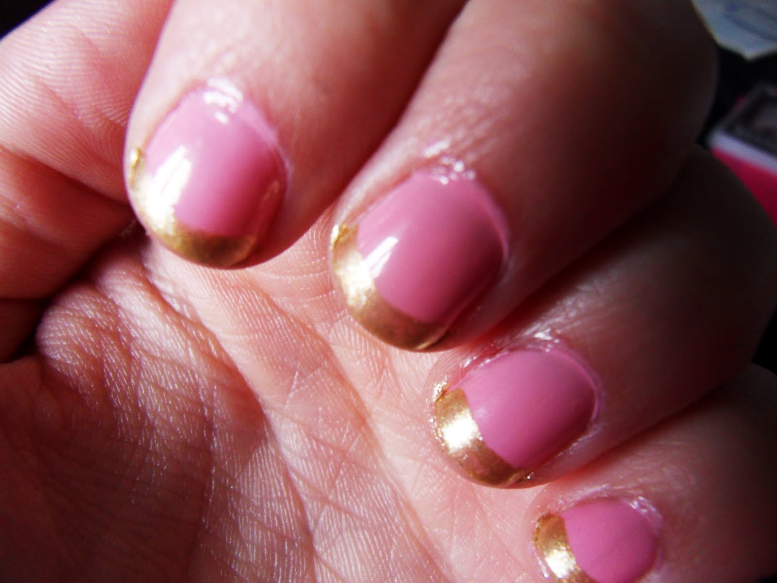Charlie S Wonderland My Pink Amp Gold Nails
