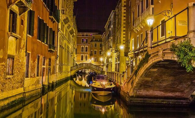 Bastante tempo de viagem em Veneza