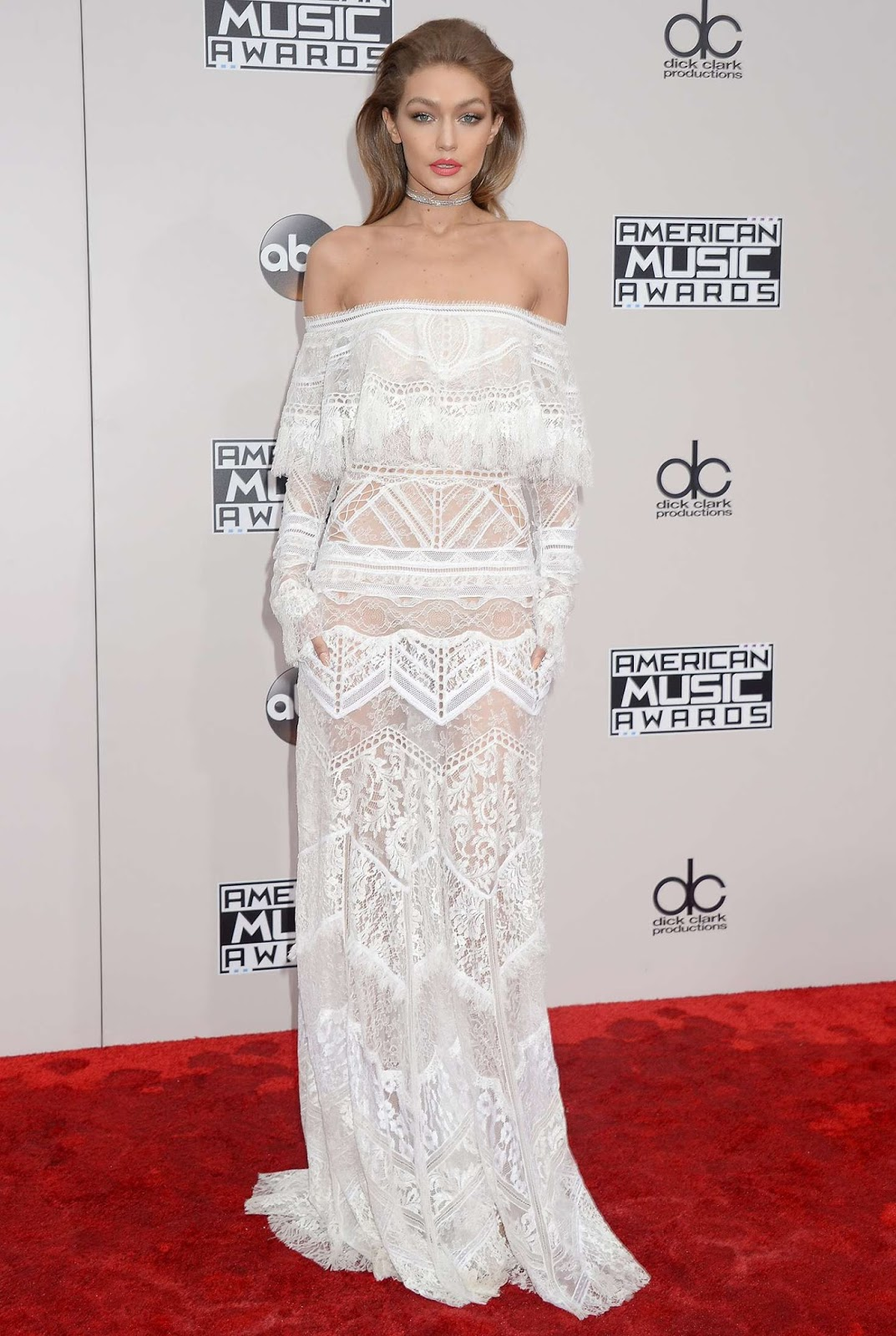 Gigi Hadid goes sans underwear for the 2016 American Music Awards in Los Angeles