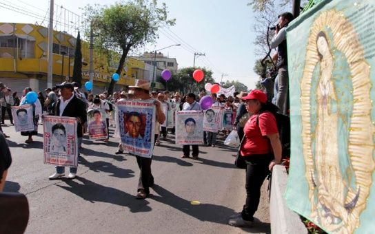 Finalizan con misa la caravana por los 43 de Ayotzinapa