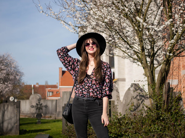 Outfit: floral blouse and first blossoms