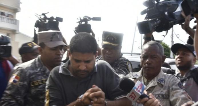 Trasladan a cárcel de Najayo al sacerdote acusado del asesinato de menor