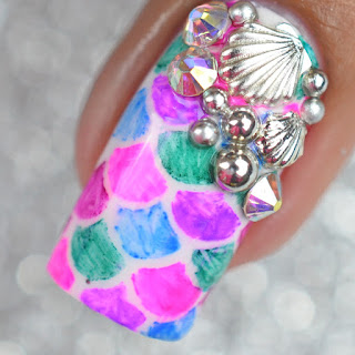 Sharpie pen fish scale nails