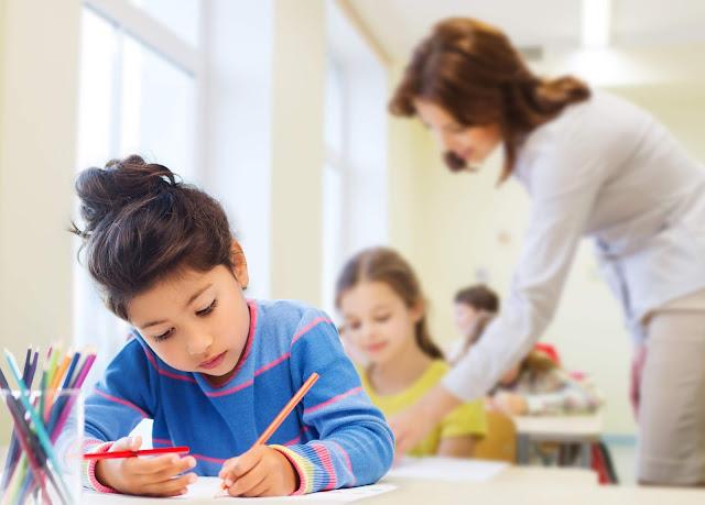 Pais analisam qual o melhor modelo de ensino para seus filhos