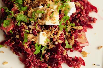 Quinoa salade met rode biet en brie
