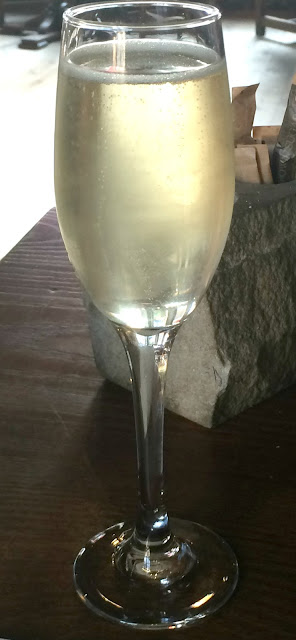 glass of fizz