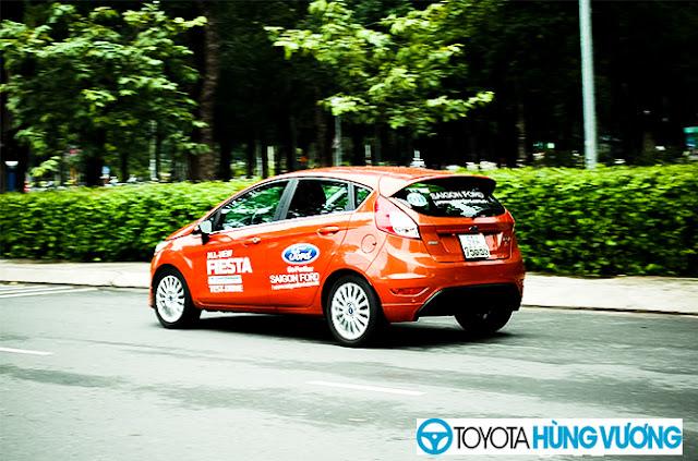 So sánh Toyota Vios với Ford Fiesta 2
