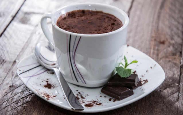 5 Manfaat Meminum Cokelat Panas