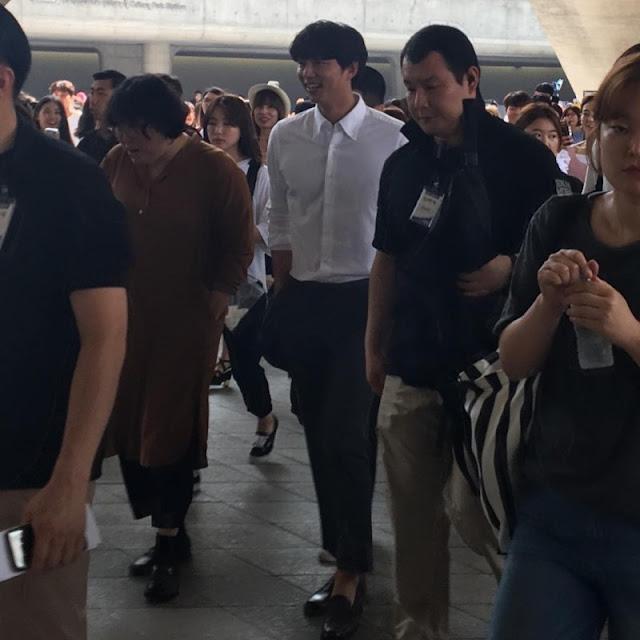 孔劉現身東大門拍攝廣告 是否代言華碩手機