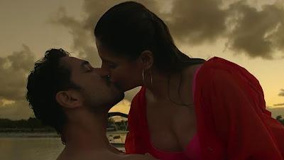 Zareen Khan Kiss HD Image In Aksar 2 Movie