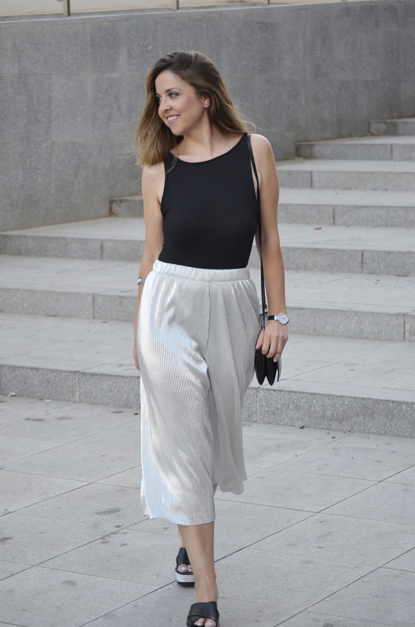 pantalon_culotte_plisado_plata_sales_zara