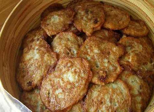 Белорусская кухня, достаточно своеобразна и характеризуется обилием мучных и картофельных блюд