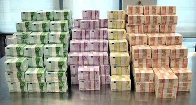 Eφοδος αστυνομικών σε σπίτι στο Π.Ψυχικό: Βρέθηκαν 19.000.000 ευρώ μετρητά που ανήκουν σε πολιτικό του ΠΑΣΟΚ