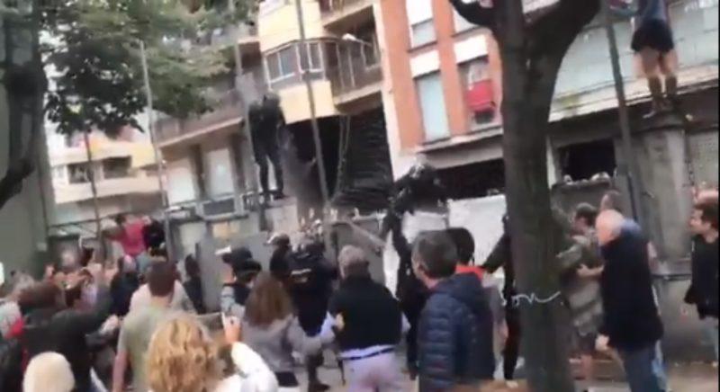 Referendo tuvo como resultado paralelo al menos 850 heridos por protestas y represión