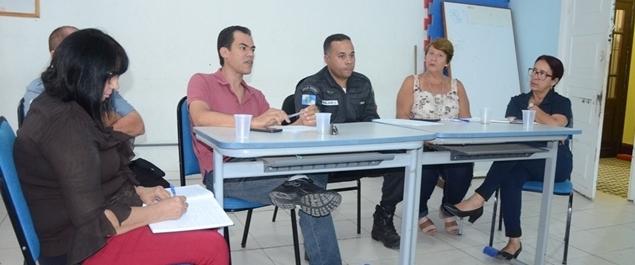 Conselho Comunitário de Segurança Escolar realiza reunião ordinária em São Pedro da Aldeia