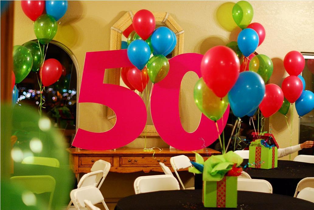un detalle con globos que es muy utilizado dentro de la decoracin de los aos es utilizar globos con la leyenda del nmero impresos y en especial