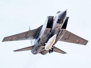 Rudal Kh-47M2 Kinzhal Rusia