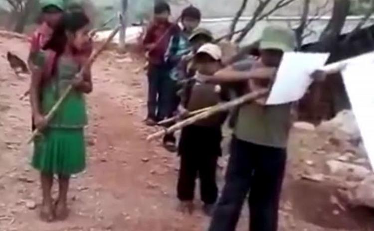"""""""Por cada policía comunitario ejecutado, les matamos a 10 sicarios"""", Grupo de niños advierten combatir a """"Los Ardillos"""" en Chilapa"""