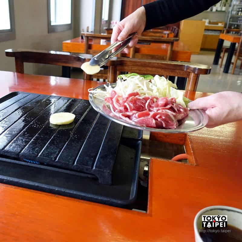 【羊之丘休憩所餐廳】在羊之丘看完羊咩咩 吃美味成吉思汗羊肉燒肉