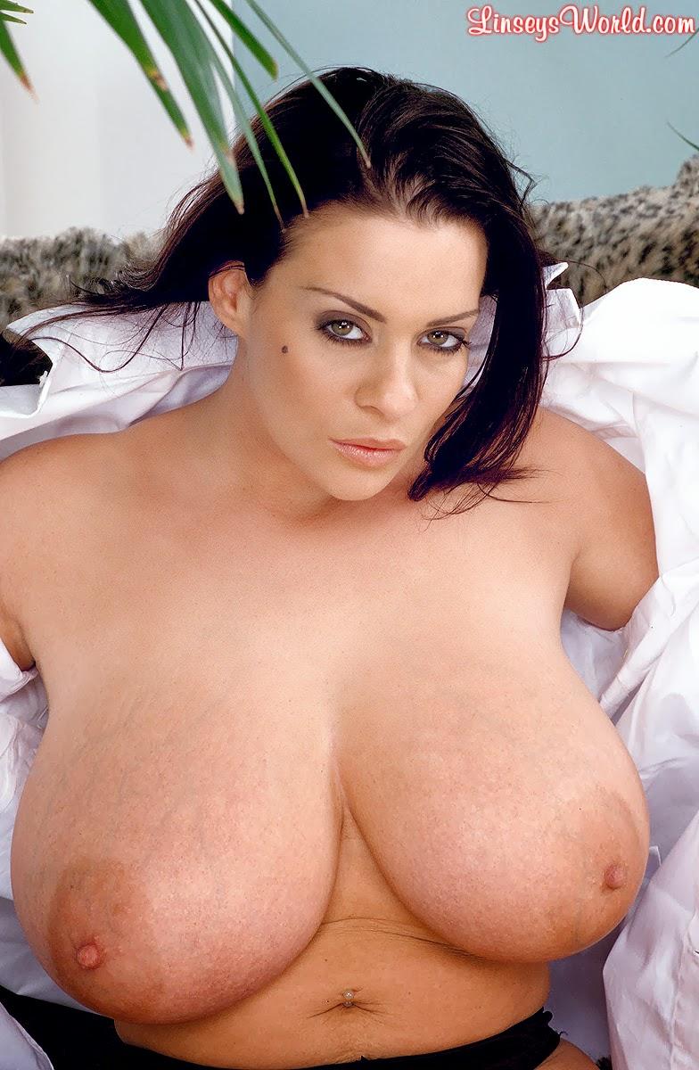Sexy big boobs nackt