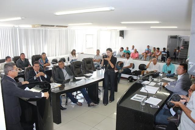 Vereadores  de Delmiro Gouveia falam sobre falta de manutenção na rede elétrica e de sinalização na via de acesso ao povoado Cruz
