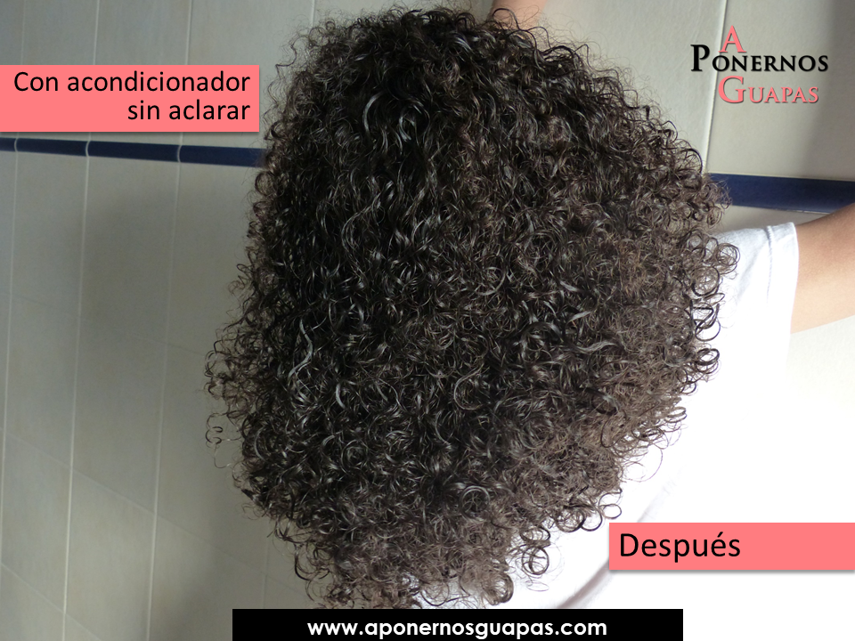 En la foto el pelo tiene un toque de secador sin difusor. Un secador f2d4e160981a