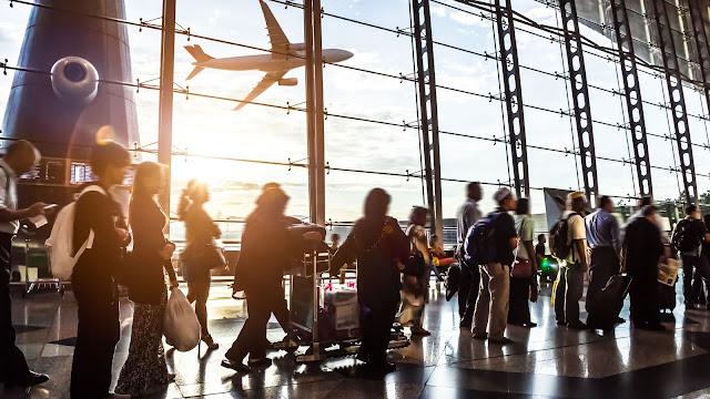 ¿Emigrar es realmente una solución?