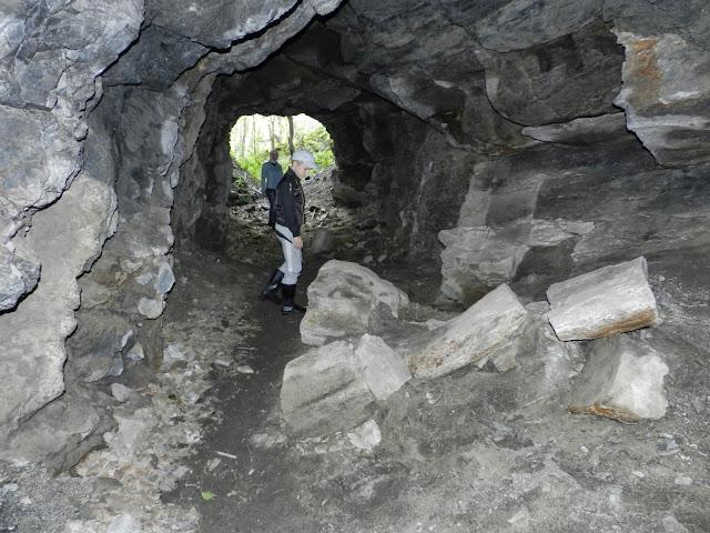 Камни в штольне