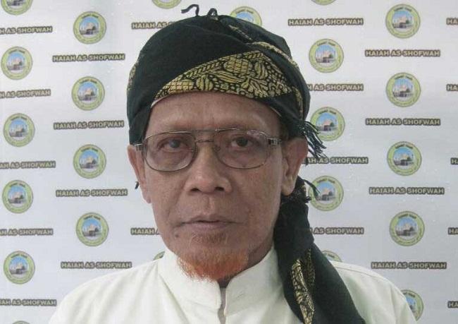 Kyai Pengasuh Ponpes Daarut Tauhid Surabaya meninggal saat sujud Shalat Jum'at.