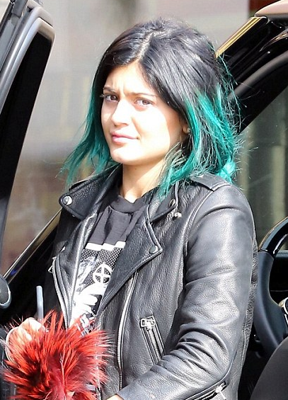 Beautytiptoday.com: Does Kylie Jenner Use Candylipz To Get