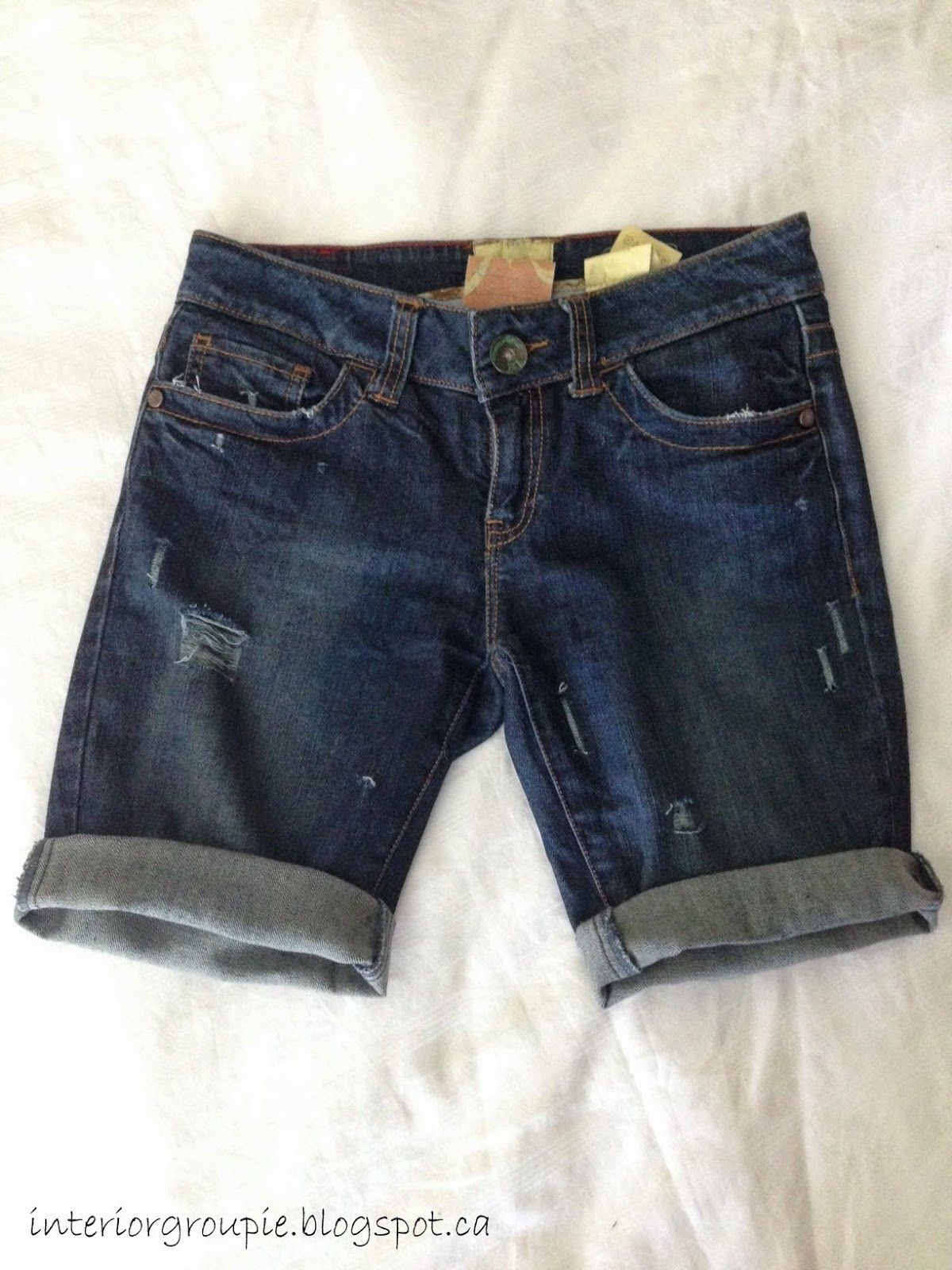 Interior Groupie: DIY distressed denim shorts
