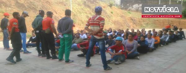Alunos de escola em Santa Luzia participam de curso de brigada de incêndio