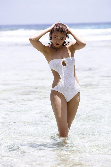 久松郁実 Hisamatsu Ikumi Sexy On Beach Images 20