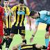 «Έξαλλοι στην ΑΕΚ, όρμησαν στον...» - Τρομερό σκηνικό στη φυσούνα του «Allianz Arena»! (ΒΙΝΤΕΟ)