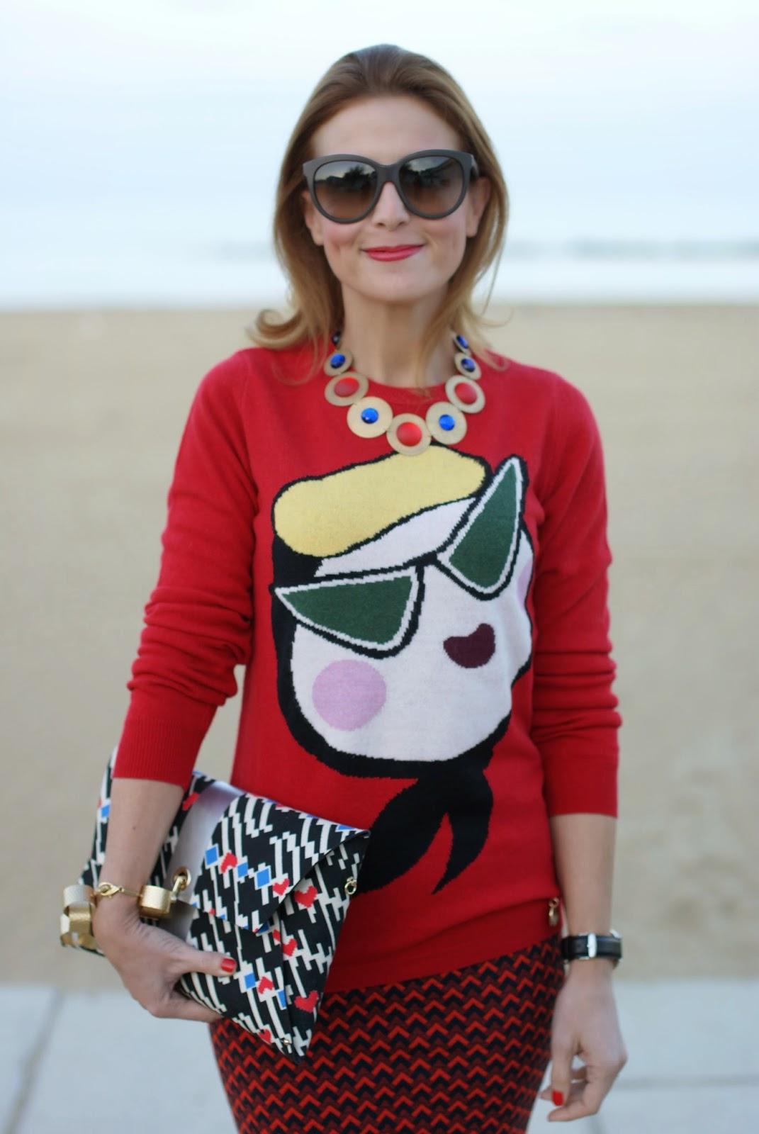 76ad28b18b Love Moschino sweater Vitti Ferria Contin necklace and bracelet Pull Bear  skirt Dolce   Gabbana sunglasses Nando Muzi pumps Ohmai clutch