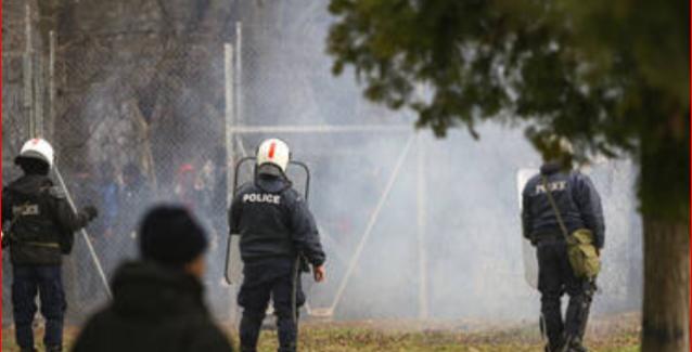 Συνεχίζονται τα επεισόδια στον Έβρο:Tραυματισμός αστυνομικού στο πρόσωπο..BINTEO
