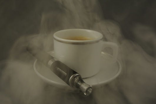 Why Many People Prefer to Smoke While Drinking Coffee