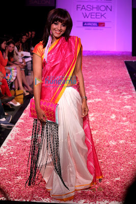 Manasi Scott walks the ramp on the Lakme Fashion Week 2013