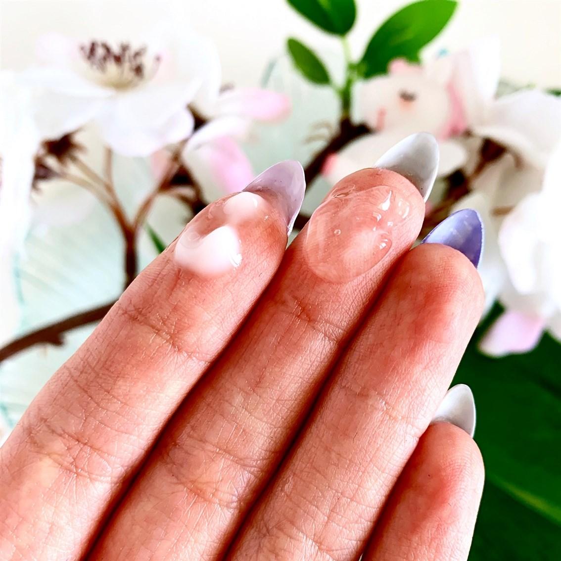 Innisfree Jeju Cherry Blossom konsystencje