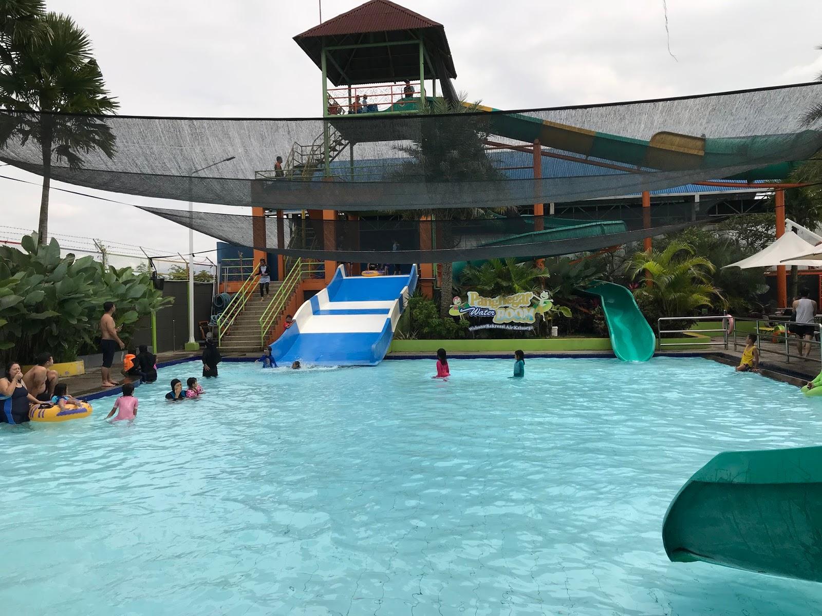 Panghegar Waterboom Tempat Wisata Air Untuk Keluarga Di Bandung My