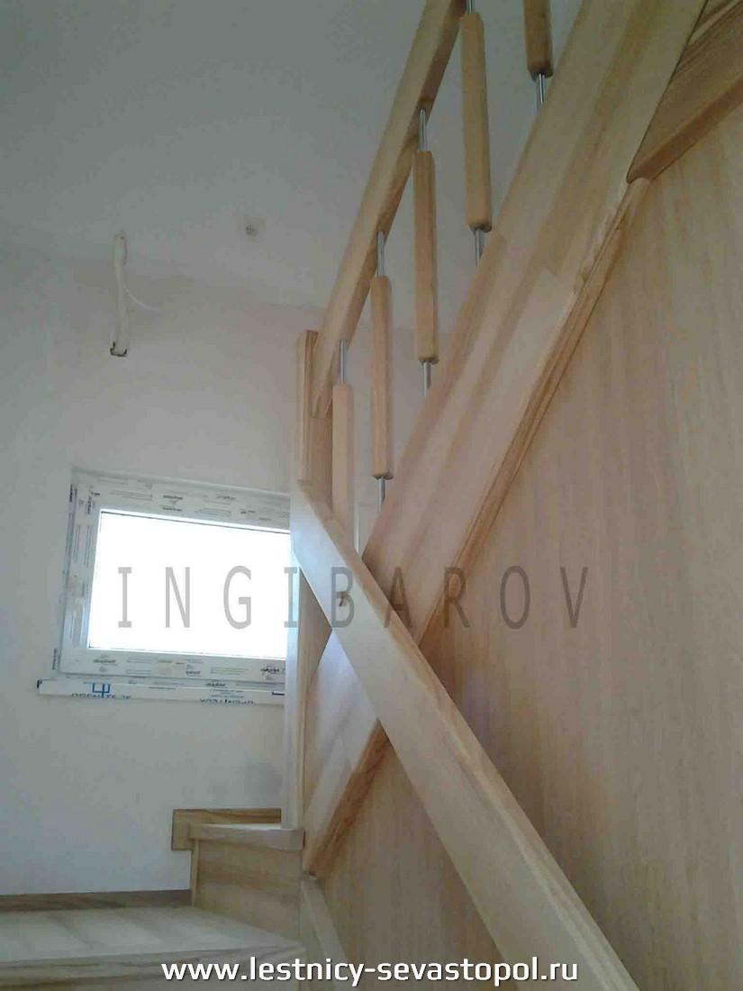 Деревянные лестницы на второй этаж в частном