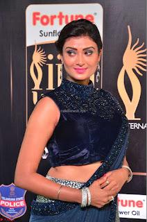 Ishita Vyas in Velvet Sleeveless Choli Designer Saree at IIFA Utsavam Awards 2017  Day 2  HD Exclusive 18.JPG